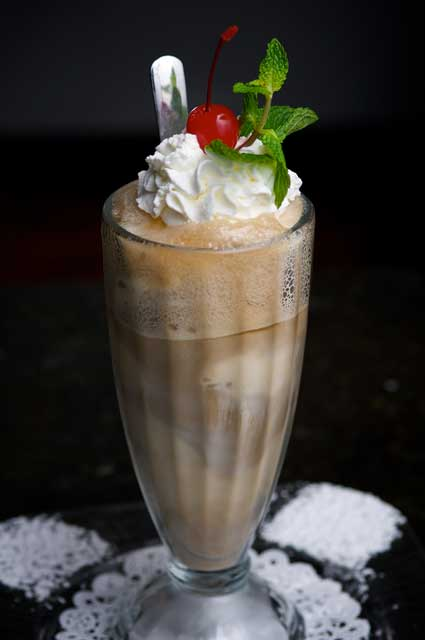 Old Fashioned Root Beer Float